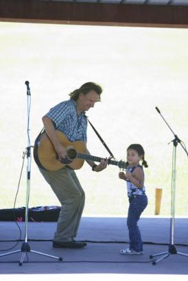 Ellis Paul with Young Fan